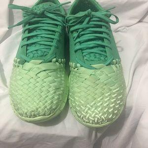 premium selection 0826e c32ea Nike Shoes - Nike free inneva woven tech sp shoes vapor green